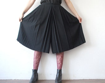 80s 90s black pleated culottes. wide leg pants. chiffon skirt pants - medium to large