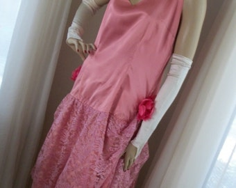 1920s Style Flapper Frock Pink Satin and Lace Orig Design Size M/L