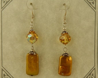 Chardonnay earrings made with Swarovksi Crystal and freshwater pearls