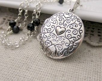Sterling Silver Locket, Silver Oval Locket, Black Onyx Necklace, Vintage Locket, New Mom Necklace, Push Present Locket, Silver Photo Locket