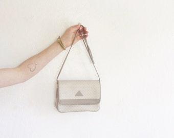 classic Liz Claiborne crossbody purse . tan cream leather handbag .sale s a l e