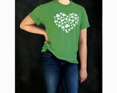 St Patrick's Day tshirt . Women's Lucky tee - unisex - green
