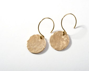 Gold Earrings, Gold Hammered Earrings, 14K Gold Earrings, Gold Disk Earrings, Gold Circle Earrings, Everyday Earrings, Gold Drop Earrings