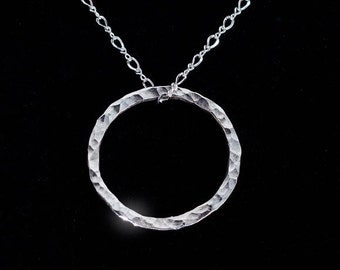 Eternity Silver Necklace - Hammered Eternity Circle Necklace - Hammered Silver Necklace - Charm Necklace - Eternal Circle Necklace