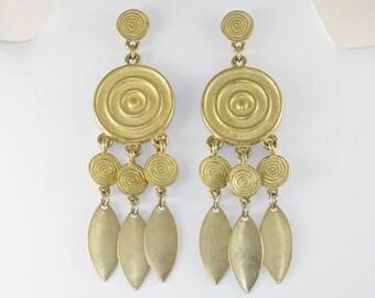 Vintage Long Dangling Gold Tone Pierced Post Earrings (E-2-1)