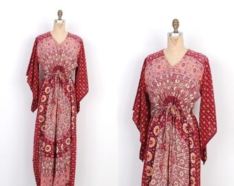 Vintage 1970s Dress / 70s Indian Cotton Printed Caftan / Burgundy Red (S M L)
