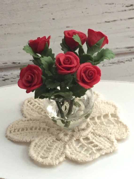 Miniature Red Roses in Glass Vase,  Dollhouse Miniature, 6 Red Roses With Leaves, 1:12 Scale Miniature, Mini Roses in Vase, Clear Vase
