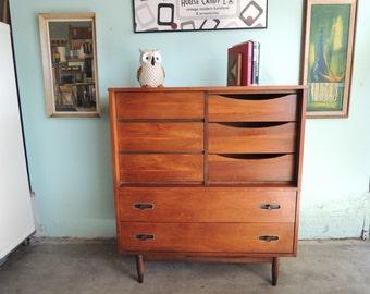 MID CENTURY MODERN Dresser or Gentleman's Chest (Los Angeles)