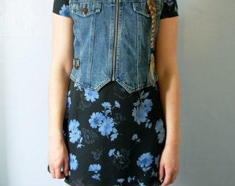 Vintage 80's denim vest, cropped denim vest with tortoise shell details, zip up, size medium