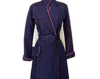 vintage quilted silk dress - 1930s-40s Lyn Delle navy/hot pink lounge coat smoking jacket wrap dress