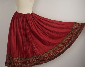 red Indian gauze skirt with paisley trim 90s boho ethnic long crinkled cotton skirt free size XL drawstring waist