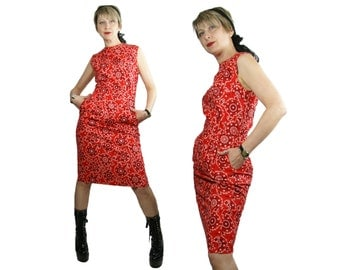 1950s to 1960s Red Cotton Bandana Print Wiggle Dress Saks Fifth Avenue The Young Circle Labels