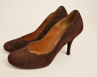 Chocolate Suede Scalloped Thirties Style Heel