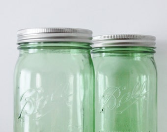 1 one GREEN MASON Jar 32 oz Jar Canning Jars Rustic Vintage Wedding Lime Emerald Green St Patricks Day Ball Quart Candle Holder