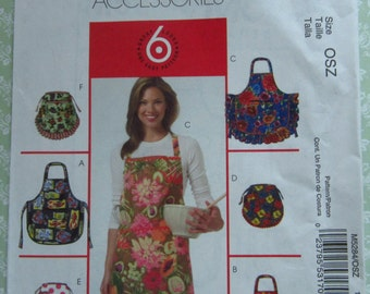 Easy to Sew Misses Aprons: Bib Aprons and Half Aprons One Size McCalls Pattern M5284 UNCUT