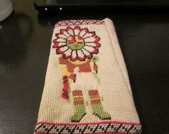 Needlepoint Eyeglass Case/Phone Case/Trinket Case/Native American Handmade Needlepoint Vintage Case