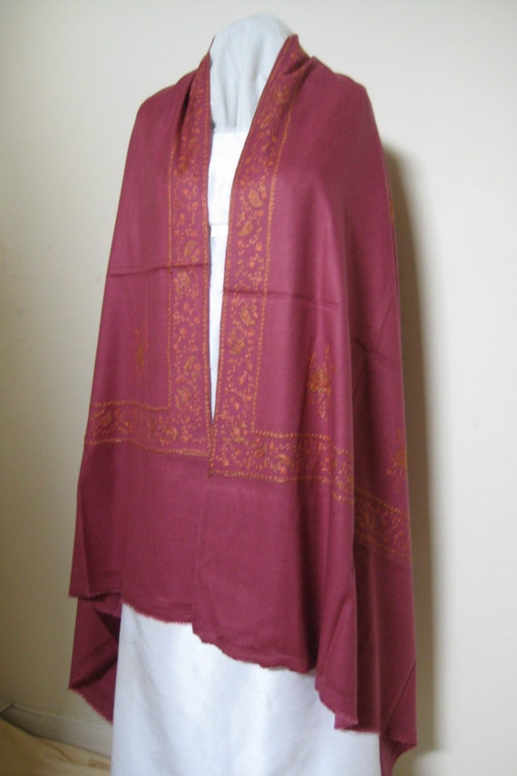 Kashmir Wool Shawl/Stole. Regency Style. Pink/Mauve. Hand Embroidered.