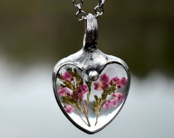 Real Flower Jewelry, Pink Heather Necklace, Glass Heart Jewelry, Real Flower Charm, Real Heather (2495)