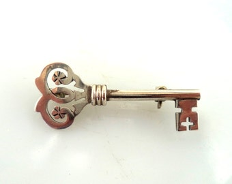 Sterling Skeleton Key Brooch