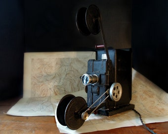 Vintage / Antique Keystone Moviegraph / Childrens Movie Projector / Antique Toy Movie Projector / Boston Massachusetts