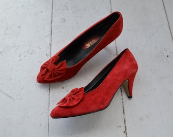 1980s Via Condotti Red Suede Bow Heels, Size 8