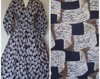 1950s Dress / 50s Novelty Print Dress / Flowing Ribbon Print / Full Skirt / Shirtwaist Dress / Cotton / XS Extra Small