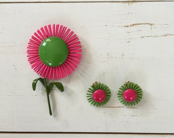 Vintage 60s Brooch/ 1960s Enamel Brooch/ Pink & Lime Green Enamel Flower Brooch with Matching Earrings