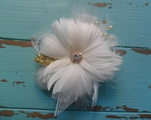 Wrist Corsage, Feathered Corsage, Wedding Corsage, Gatsby Wedding, Prom Corsage, Mothers Corsage, Wedding Flowers, YOUR CHOICE COLOR,Vintage