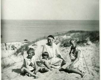 "Vintage Photo ""Mother's Beach Day"" Family Portrait Snapshot Antique Photo Old Black & White Photograph Found Paper Ephemera Vernacular - 105"