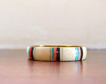 Pretty Vintage 1970s Bangle Southwestern-style Shell White Blue Pink Black Taupe Brass Interior