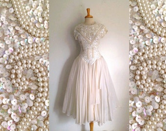 Oleg Cassini 1980s does the 1950s beaded bodice chiffon slightly off white wedding gown size 4 small