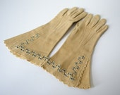 1930s vintage gloves / tan wool gauntlet gloves / size 6.75