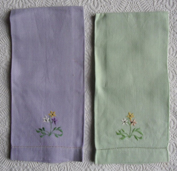 Guest Towels Linen: Vintage Linen Towels Pair Of Embroidered Towels Purple And