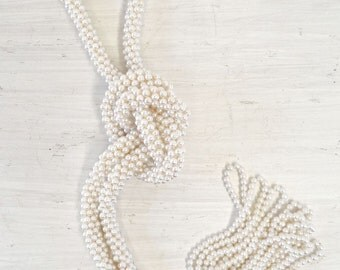 Long Pearl Necklace 80s Vintage Faux Pearl Madonna New Wave Beaded Knot Necklace