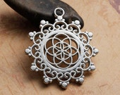 5 Seed of Life Charms in Silver Tone - C2400