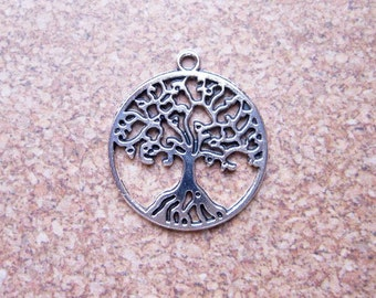 10 Round Tree Charms in Silver Tone - C2349