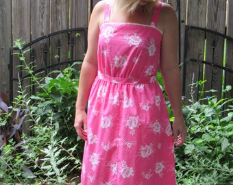 1980s Vintage Hawaiian Print Dress / 80s Hot Pink and White Floral Sleeveless Belted Summer Sundress with Elastic Waist and Eyelet Bodice