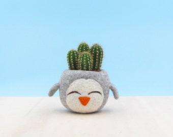 Felt succulent planter / grey vase / happy penguin / cactus planter / mini planter / nursery decor / gift for her / Choose your color!