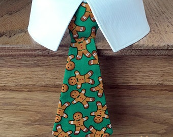 Green Christmas Dog Tie with Gingerbread Men, Holiday Dog Tie, Christmas Dog Neck Tie, Christmas Dog Bow Tie