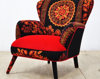 Suzani Armchair - scarlet II
