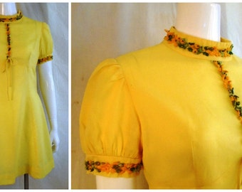 Vintage 1960's Yellow Mini Dress Puffed Sleeves Floral Appliqué Baby Doll Empire Waist 38 x 31 x 40