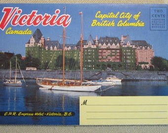 Vintage 1940-50's Victoria, Canada Fold-out Postcard with 18 Picture/Views