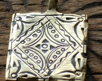 Brass Moroccan square hand engraved pendant with triangles