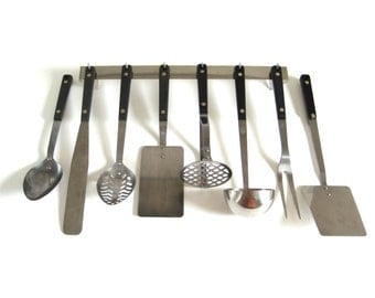 Flint Kitchen Utensils or Kitchen Utensil Set: Spatula, Spoon, Potato Masher, Icing Spreader, Soup Ladle, Meat Fork, Stainless Steel Rack