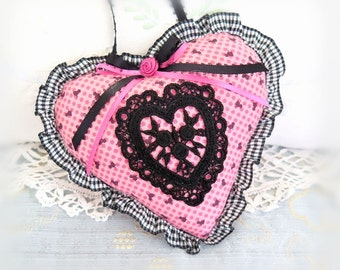 Valentine Heart Ornament / 6 inch / Ruffled Heart Door Hanger / Black/Hot Pink Heart, Folk Art, Handmade CharlotteStyle Decorative Folk Art