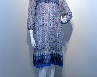 Vintage 1970s INDIAN PRINT Boho Gypsy Hippie Festival Dress // Sheer Fabric Tent Fit