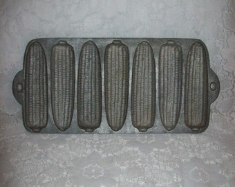 Vintage Cast Iron 7 Mold Corn Bread Baking Pan Only 6 USD