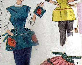 GREAT Vintage 1950s Poppy Apron & Potholder Medium UNCUT