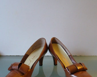 Vintage Chandlers French Room  Pumps Size 7.5AA