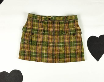 90s Moschino Green Plaid Wool Cargo Mini Skirt / Size 10 / Clueless / Preppy / Rainbow Tweed / Ab Fab / The Nanny / Grunge / Goth /